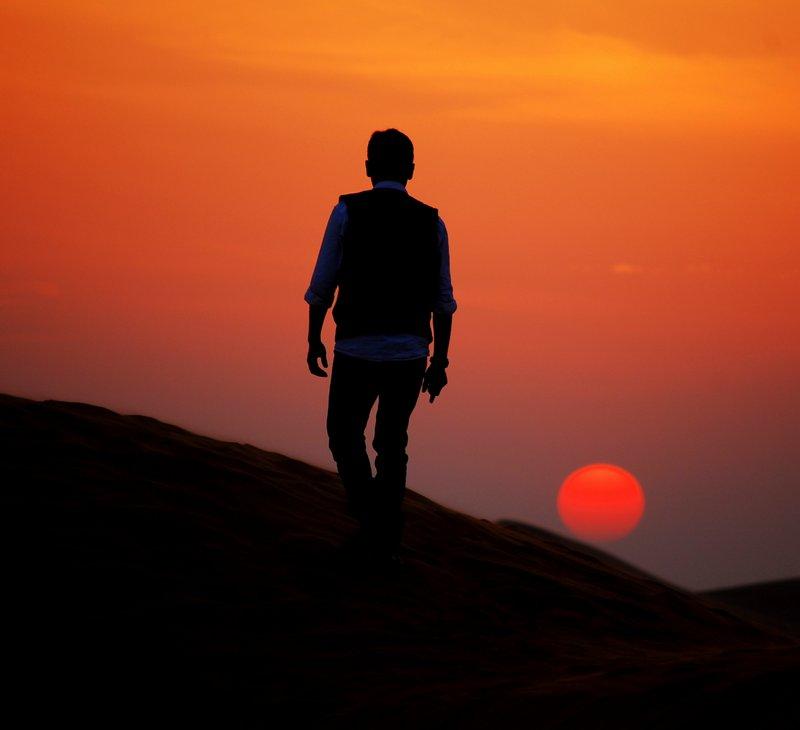 Offbeat Dubai Sunset in the Arabian Desert