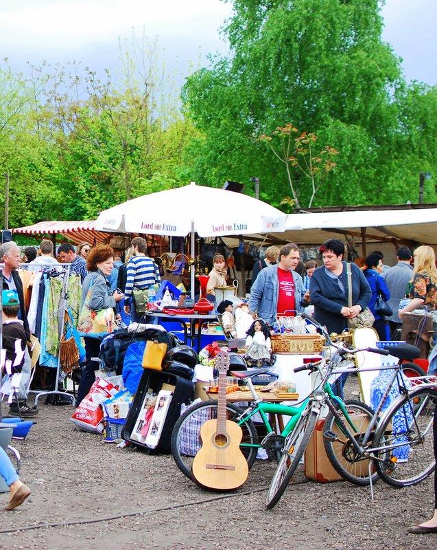 Free Berlin - Chaos at Mauerpark Flea Market