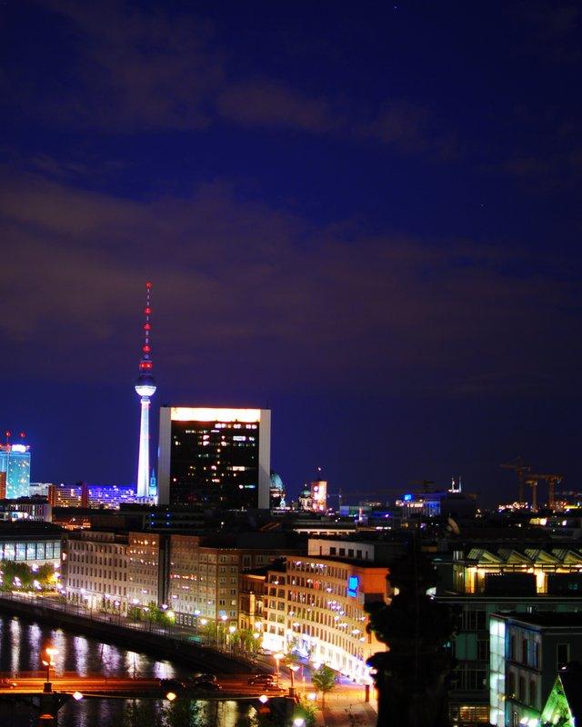 Love Berlin - Skyline at night