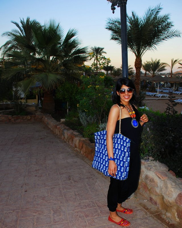 What to Wear in India Morocco Turkey - Oversized Tote Bag
