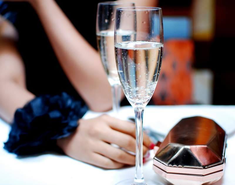 Budget Cruise Deals dining champagne