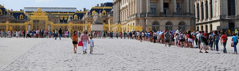 Palace of Versailles chateau line skip