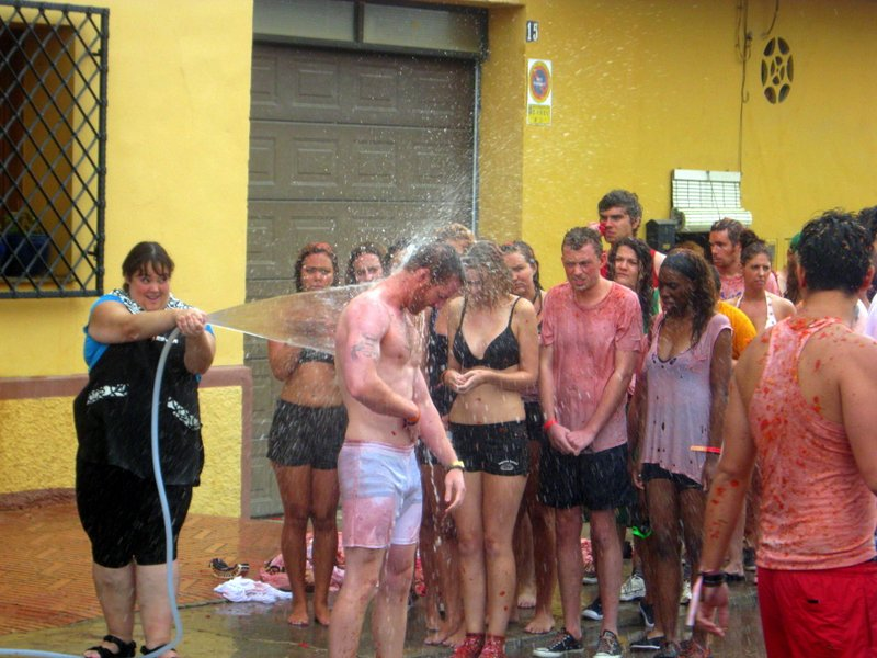 Guide to La Tomatina 10