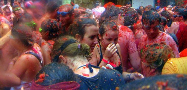 Guide to La Tomatina
