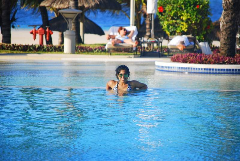 Lux* Belle Mare pool