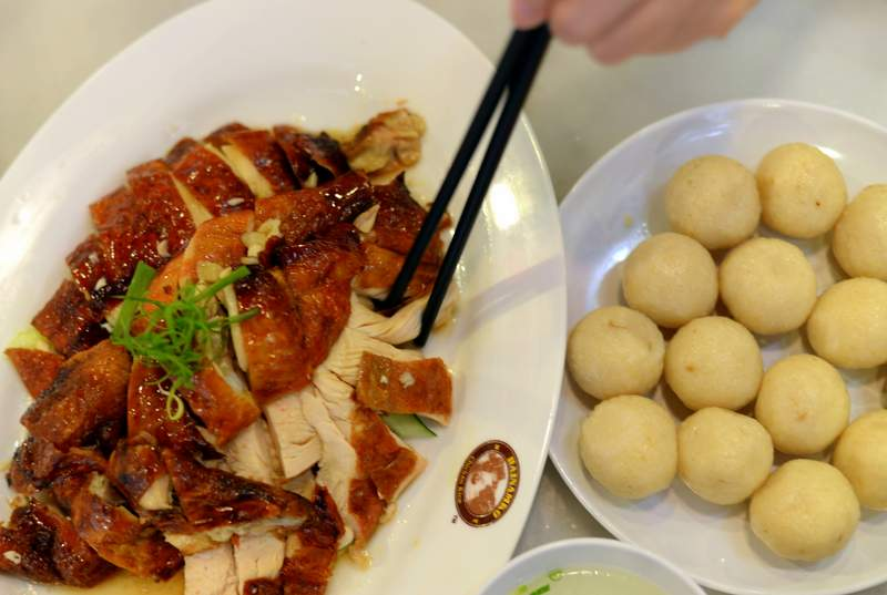 food of malaysia chicken rice