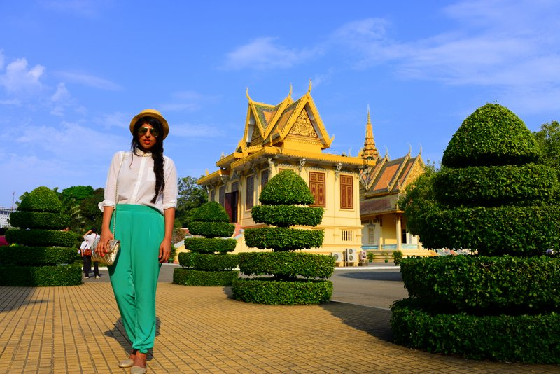 what to wear in South East Asia temples
