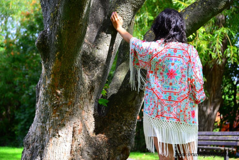 guide to packing for a music festival kimonos