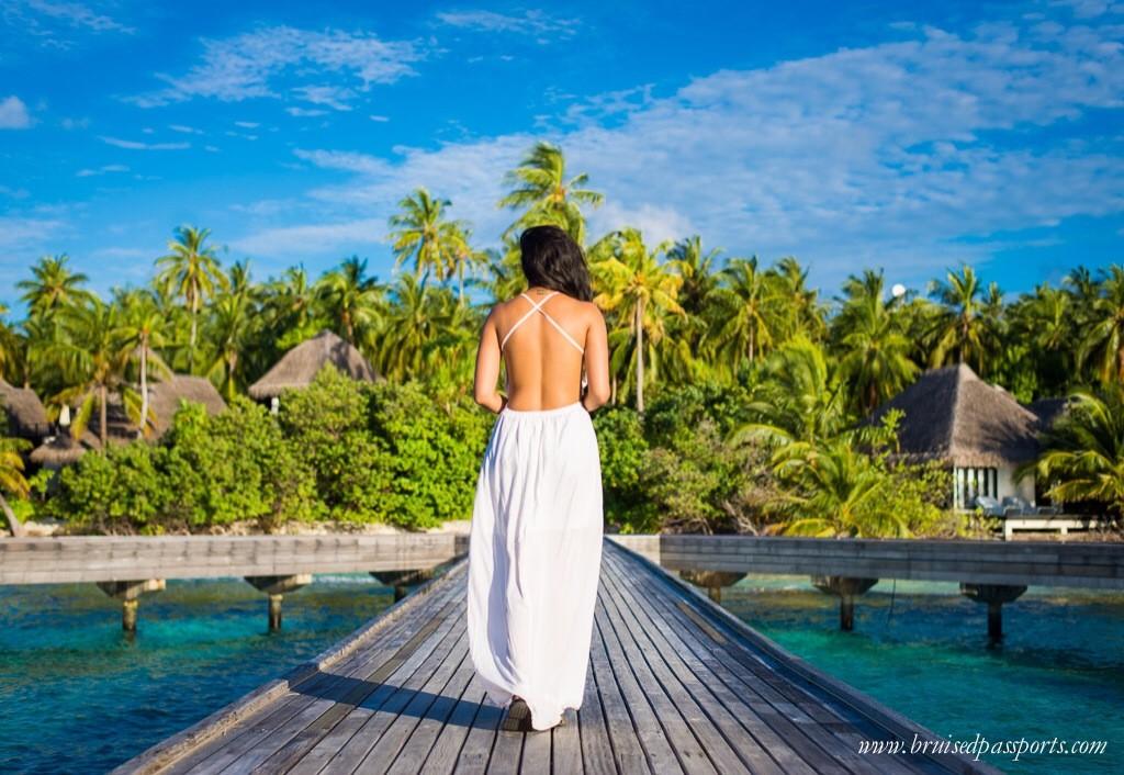travel fashion maldives white maxi dress