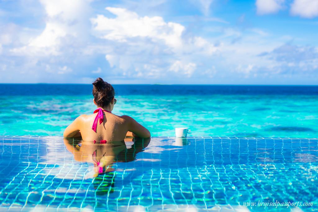infinity pool maldives travel fashion
