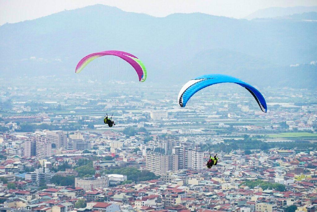 Taiwan Road Trip Paragliding