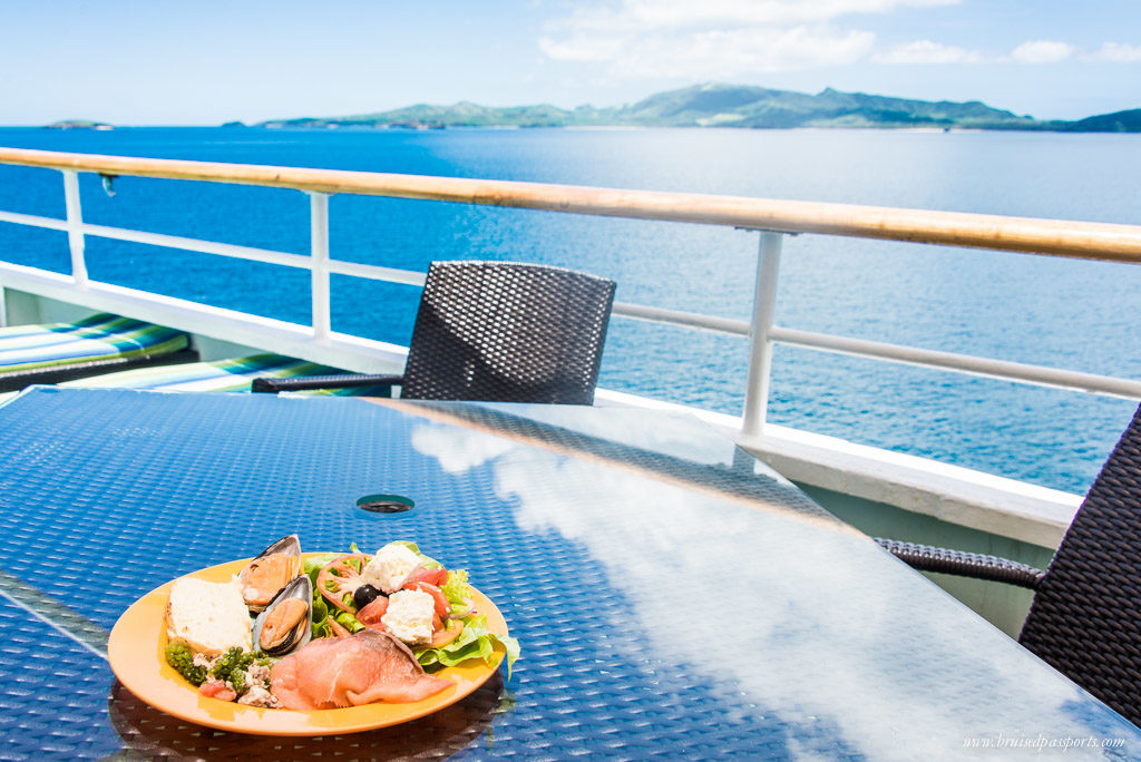 meal on captain cook cruise fiji