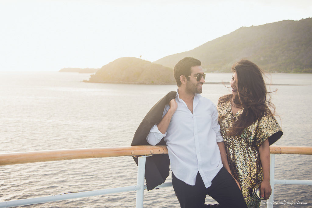 couple on captain cook cruise fiji