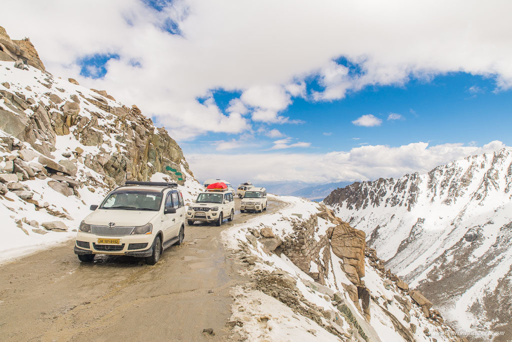 traffic jam khardung la
