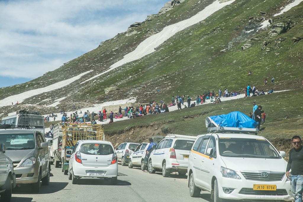 Traffic jam at Rohtang Pass on the way to Manali