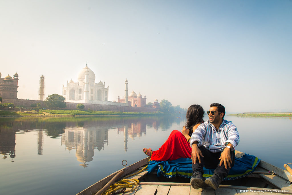 boat ride on Yamuna to see Taj Mahal