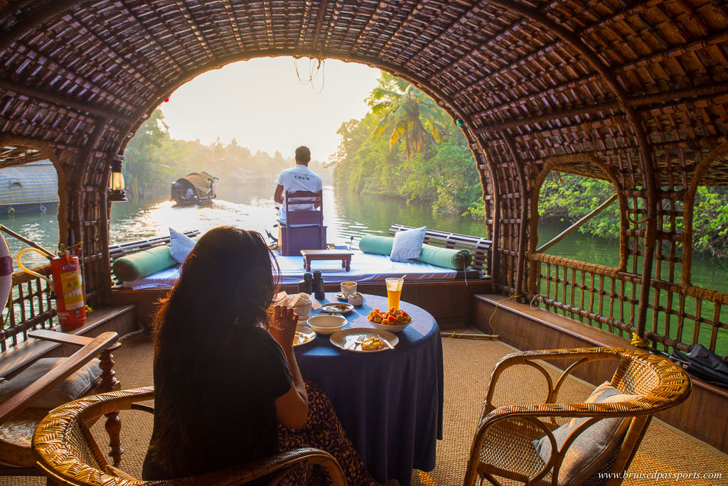 CGH Spice coast cruises houseboat backwaters breakfast
