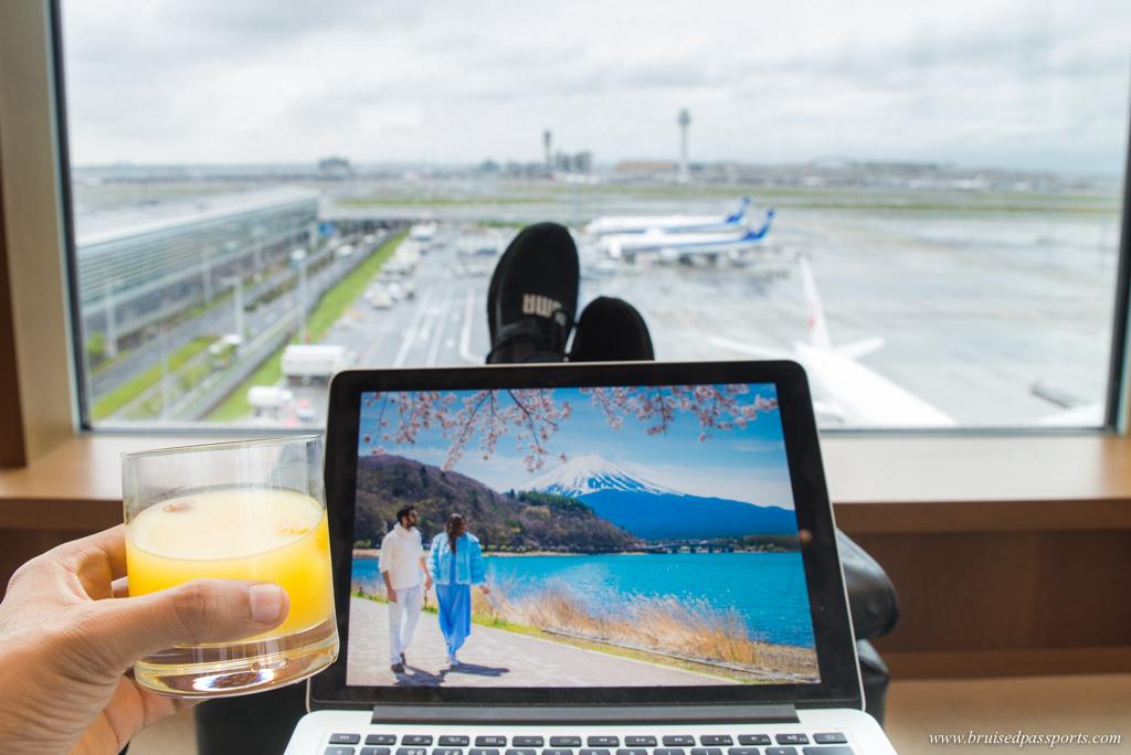 Cathay pacific lounge at Haneda airport