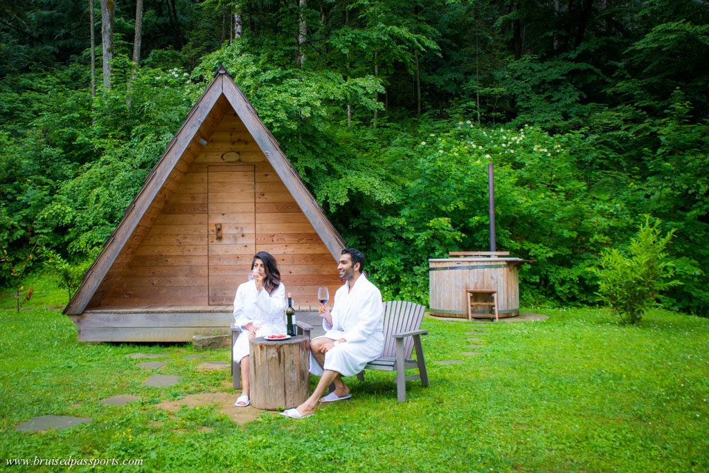 Glamping hut with hot tub near Lake Bled