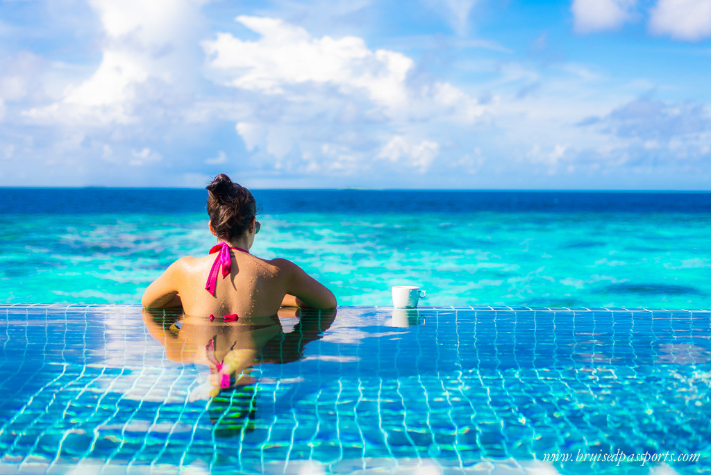 infinity pool maldives travel fashion