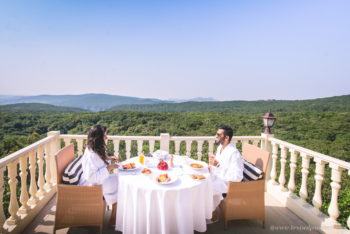 Le Meridien Mahabaleshwar breakfast in balcony