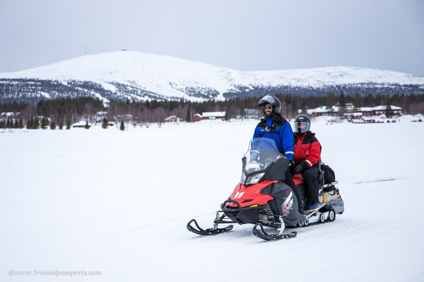 Snowmobile in Yllas Lapland