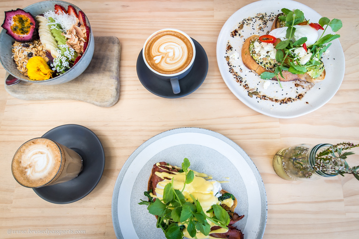 brunch and smoothie bowls at MLK Broadbeach